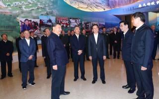 """习近平参观""""伟大的变革 ——庆祝改革开放40周年大型展览"""""""